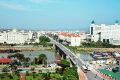 """Bức tranh """"nóng bỏng"""" của thị trường bất động sản thành phố Móng Cái"""